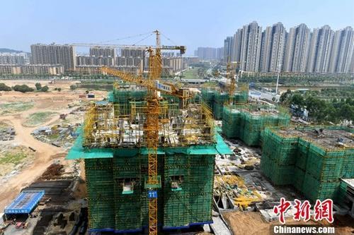 图为福州一处在建住宅楼。(资料图片)<a target='_blank' href='http://www.chinanews.com/'>中新社</a>记者 吕明 摄