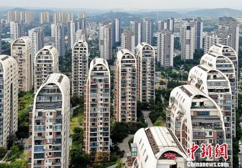 9月15日,航拍苏州一处楼盘。当日,中国国家统计局发布的8月份70个大中城市房价数据显示,一二线城市商品住宅销售价格变动总体平稳,三线城市商品住宅销售价格有所上涨。<a target='_blank' >中新社</a>记者 泱波 摄
