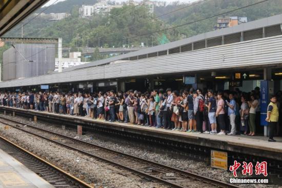 两处轻铁路轨疑遭切割恶意破坏 港铁:已报警处理