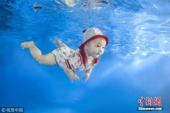 资料图:女婴。 图片来源:视觉中国
