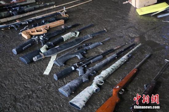 华人在美国拥枪自保 安全须知不能少