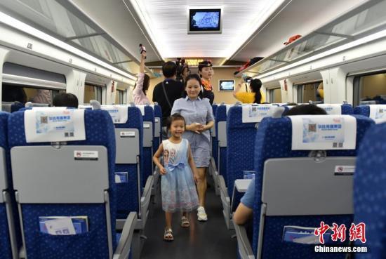 资料图:广深线高铁列车。 <a target='_blank' href='http://www.chinanews.com/'>中新社</a>记者 张炜 摄