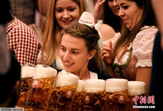 资料图:德国慕尼黑啤酒节。