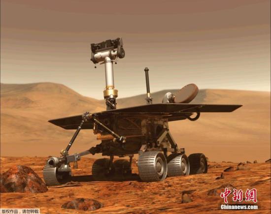 """在经历了登陆火星以来最黑暗的一段时间后,失联近四个月的火星漫游车机遇号或将迎来""""复活""""。自今年6月10日以来,一场覆盖火星1/4面积的沙尘暴遮天蔽日,这也使得采用太阳能动力的机遇号火星车完全失联。而随着沙尘暴的消退,NASA喷气推进实验室机遇号项目主任约翰・卡拉斯(John Callas)在一份声明中说:""""目前太阳正在逐渐冲破毅力谷上空的阴霾,不久就会有充足的阳光照射,机遇号火星车的电池能够进行充电。"""""""