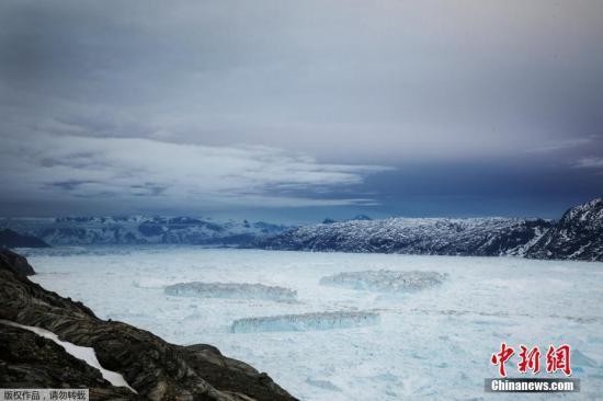 原料图:格陵兰岛冰原。
