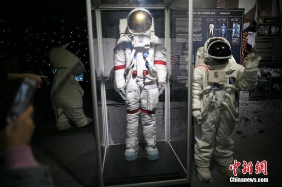 资料图:NASA探索太阳系的《星球奇境》宇宙特展。 <a target='_blank' href='http://www-chinanews-com.breakingnewsthemovie.com/'>中新社</a>记者 佟郁 摄