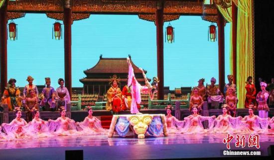 """《丝路花雨》40年:亲历中国文化""""送出去""""到""""卖出去"""""""