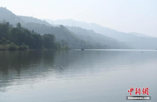 资料图:三峡蓄水现平湖美景。陈超 摄