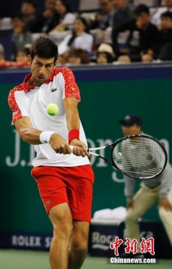 二号种子德约科维奇迎来2018上海网球大师赛首秀。殷立勤 摄