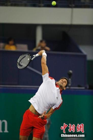 资料图:二号种子德约科维奇迎来2018上海网球大师赛首秀。殷立勤 摄