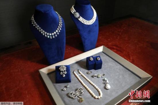 材料图:珠宝。