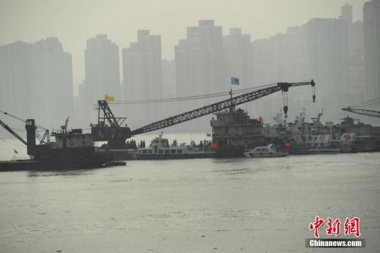 图为救援现场。中新社记者 陈超 摄