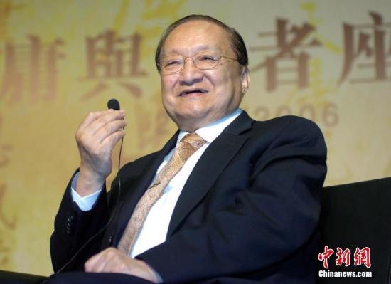 據香港《明報》報道,《明報》創辦人、著名作傢查良鏞(又名金庸)逝世,享年94歲。中新社記者 王麗南 攝