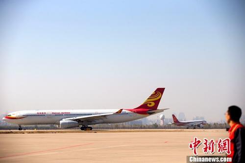 资料图:机场 <a target='_blank' href='http://www-chinanews-com.wwddff.com/'>中新社</a>记者 张云 摄