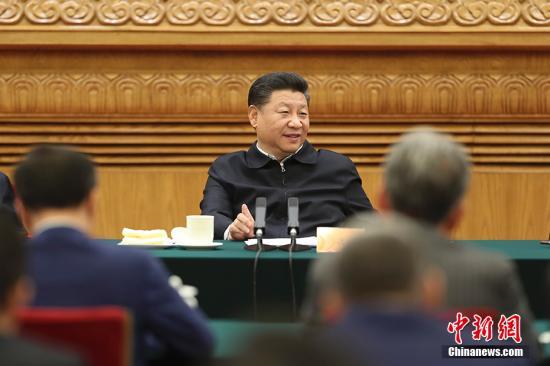 11月1日,中共中央总书记、国家主席、中央军委主席习近平在北京人民大会堂主持召开民营企业座谈会并发表重要讲话。 中新社记者 盛佳鹏 摄