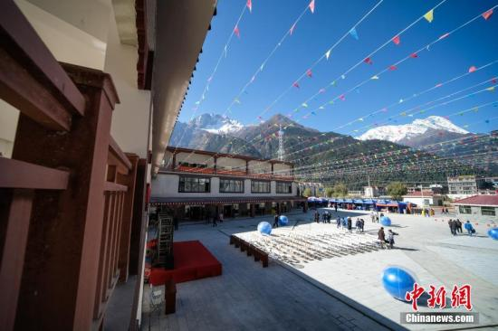 Tibet to renovate 18,900 houses in shantytowns