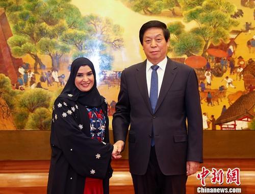 11月5日,全国人大常委会委员长栗战书在北京人民大会堂与阿联酋联邦国民议会议长古贝茜举行会谈。<a target='_blank' href='http://www-chinanews-com.rgb007.com/'>中新社</a>记者 刘震 摄