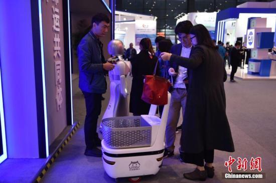 苗圩:中国工业互联网体系建设全方位推进