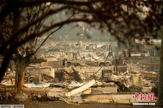 """资料图:北加州的""""坎普""""(Camp Fire)山火已经成为加州历史上破坏性最强的山火。"""