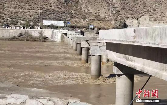金沙江堰塞湖泄洪抢险:被毁的23公里已经通21公里