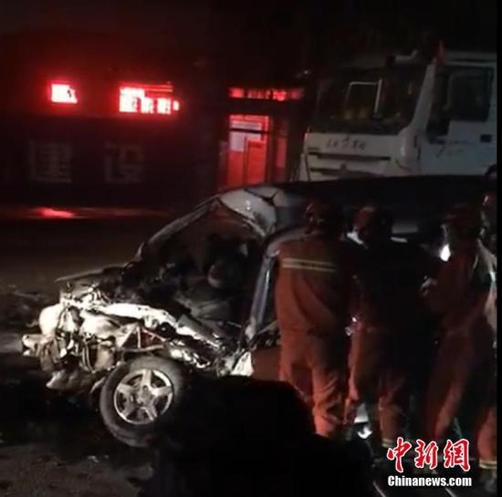 Minibus collision in Xi'an kills 10