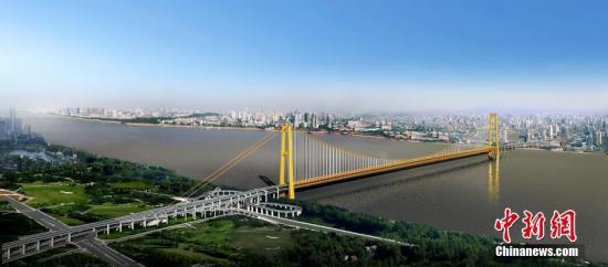 武汉杨泗港长江大桥效果图。中新社记者 邱建平 摄