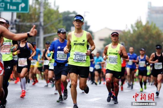 资料图:马拉松比赛。<a target='_blank' href='http://www-chinanews-com.az84.com/'>中新社</a>记者 汤彦俊 摄