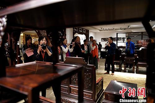 资料图:家具。/p中新社记者 王东明 摄