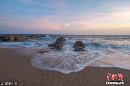 资料图:海南三亚南山。图片来源:视觉中国