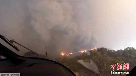 资料图:美国加州坎普山火。