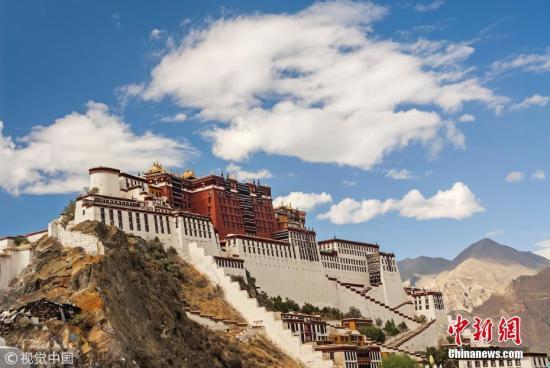 资料图:西藏拉萨布达拉宫。图片来源:视觉中国