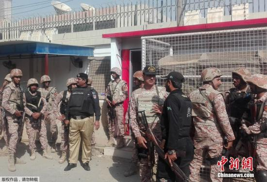 巴基斯坦警方称,当地时间11月23日发生的针对中国驻巴基斯坦卡拉奇领事馆的袭击已被挫败。袭击造成2名巴基斯坦警察身亡,3名袭击者均被击毙。