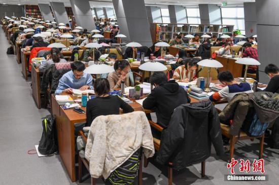 资料图:图书馆自习室。武俊杰 摄
