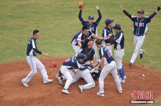资料图:棒球赛。记者 陈文 摄