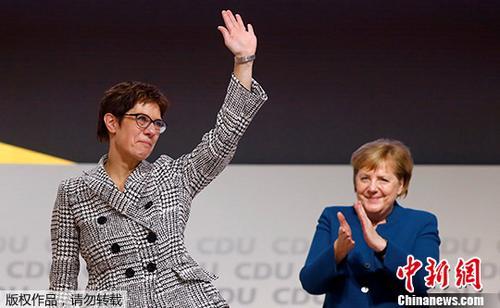 资料图:克兰普・卡伦鲍尔接替默克尔成为德国基民盟新党魁。