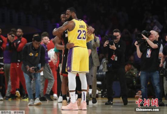 """""""詹韦连线""""经典重现NBA全明星还有哪些动人告别?"""