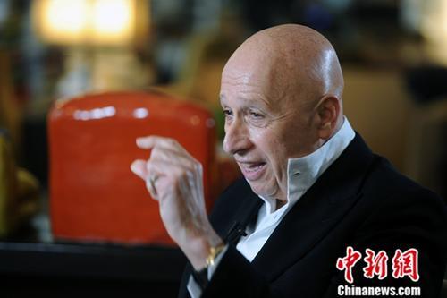 兰桂坊集团主席盛智文对<a target='_blank' href='http://www-chinanews-com.zhenweiqi.com/'>中新社</a>记者谈及亲身经历中国改革开放40年来的变化。<a target='_blank' href='http://www-chinanews-com.zhenweiqi.com/'>中新社</a>记者 谭达明 摄