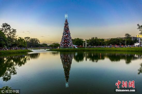 巴西伊瓜苏公园外国游客数量破纪录 中国
