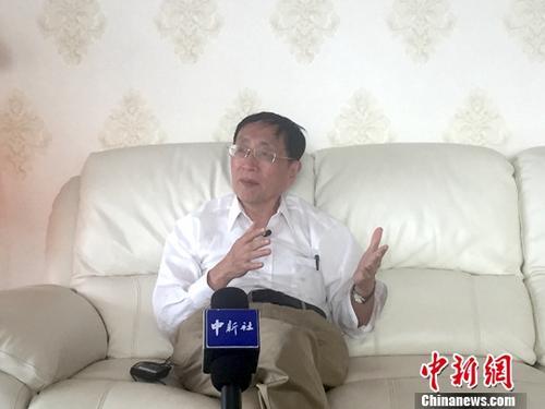 """《中国的大趋势》作者温元凯近日接受记者采访时再谈""""中国大趋势"""",认为中国改革开放的最大趋势,就是创造财富,让人民过上更加美好的生活。图为温元凯接受采访时照片。<a target='_blank' href='http://www.chinanews.com/'>中新社</a>记者 孙翔 摄"""