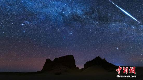 资料图:夜空。安久 摄