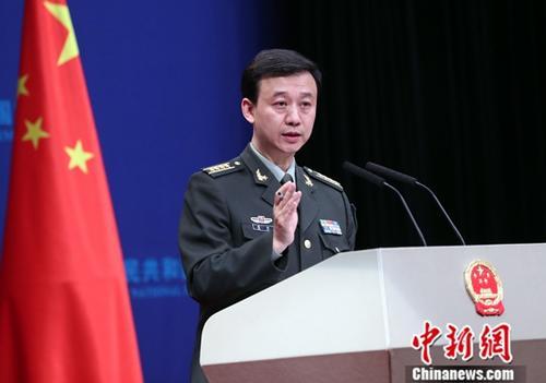 资料图:国防部新闻局局长、国防部新闻发言人吴谦。中新社记者 宋吉河 摄