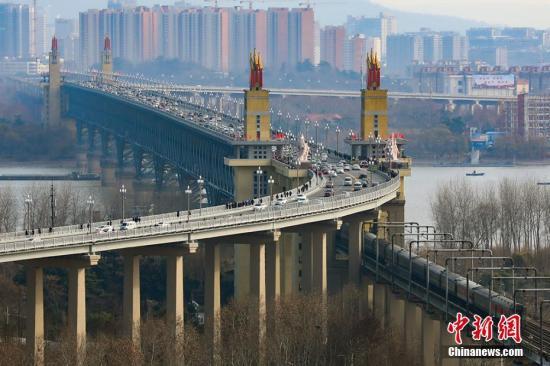 资料图:南京长江大桥。泱波 摄