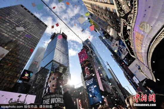 资料图:美国纽约时广场。乍图片来源:Sipaphoto版权作品 不准转载