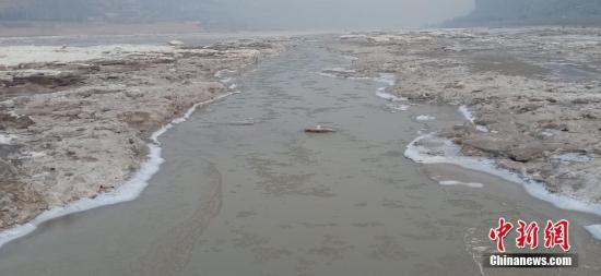 山西黄河壶口景区自2019年1月4日起临时关闭,开放时间另行通知。张建良 摄