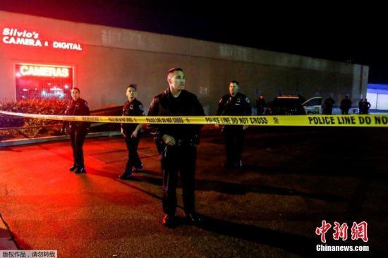 资料图:美国加利福尼亚州托伦斯市(Torrance)一家保龄球馆爆发枪击案,3名男子中枪身亡,另有4人受伤。