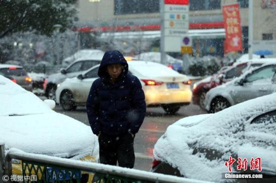 1月9日清晨,南京迎来2019年首场降雪。图片来源:视觉中国