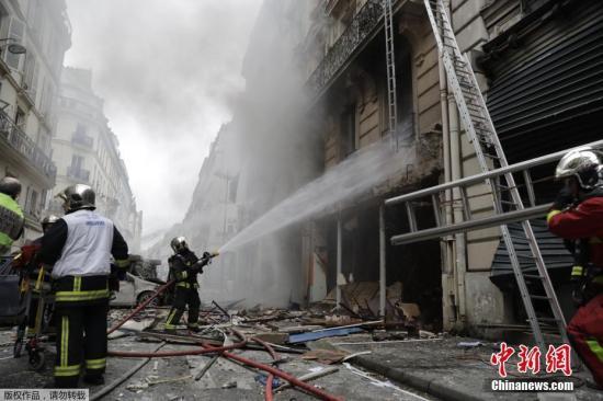 当地时间1月12日,法国巴黎市中心一家面包店发生大规模的爆炸。
