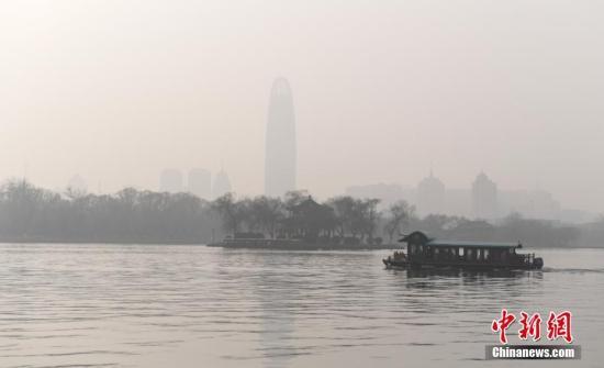 资料图:济南重污染天气。中新社记者 张勇 摄