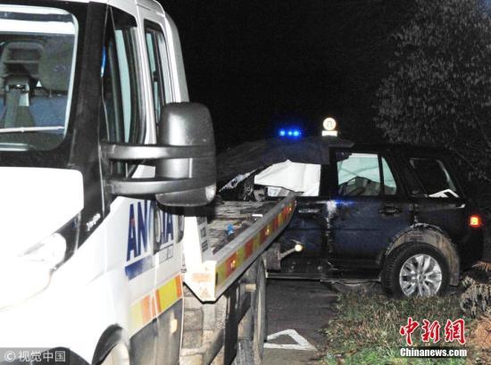 1月18日消息,据外媒报道,白金汉宫表示,英国女王伊丽莎白二世的丈夫、97岁的菲利普亲王当地时间17日发生车祸,所幸没有受伤。图片来源:视觉中国