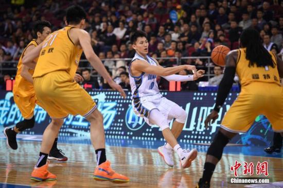 资料图:广厦队将在季后赛对阵同城兄弟浙江稠州银行。中新社记者 崔楠 摄
